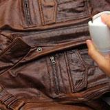 Как растянуть куртку из кожзама