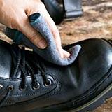Как убрать царапины на обуви из кожзама