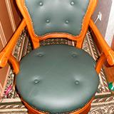 Как обтянуть стул кожзамом своими руками?