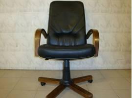 Обивка офисных кресел и стульев