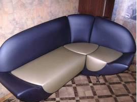 Обивка кухонных диванов